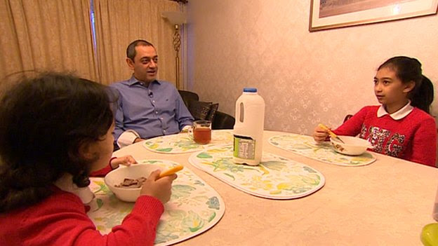 Farshid Ghafourpour and his daughters