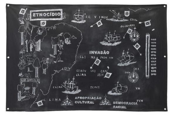 terra brasilis, invasão, etnocídio e apropriação cultural, 2015 desenho feito com pemba branca (giz utilizado em rituais de Umbanda) e lápis dermatografico sobre algodão preto 100 x 150 cm