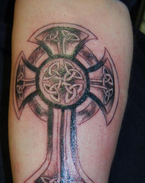tatouages301 tatouage croix celtique. Black Bedroom Furniture Sets. Home Design Ideas