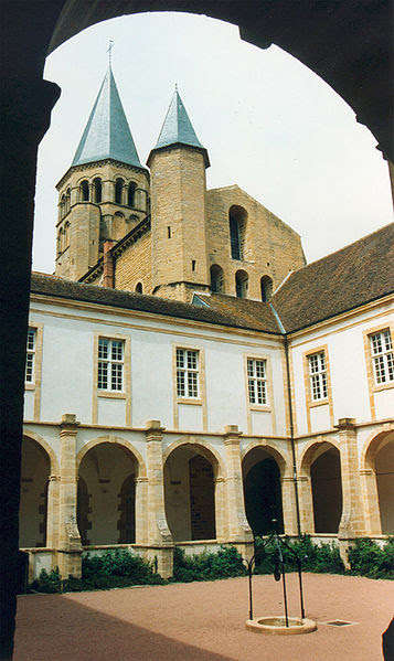 Archivo:Paray le monial abbaye 02.jpg