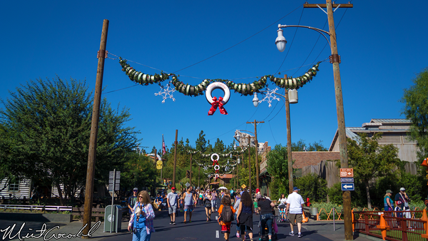 Disneyland Resort, Disney California Adventure, Cars Land, Christmas, Time