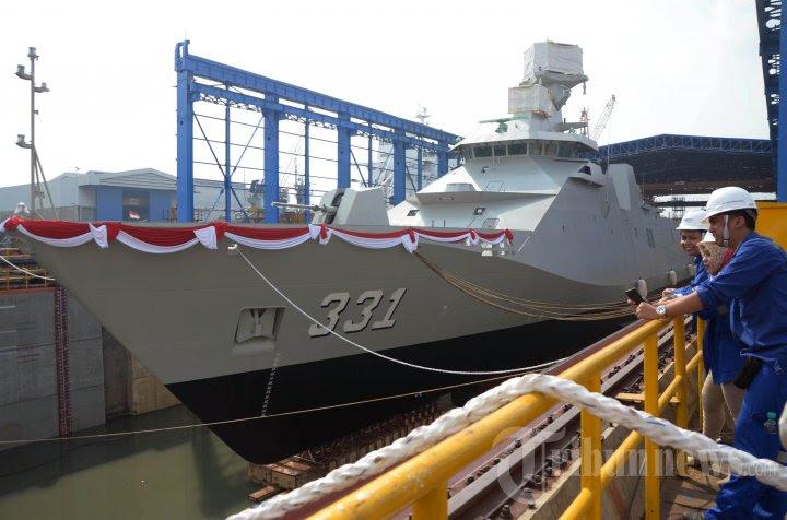 ekspor-perdana-kapal-perang-buatan-indonesia_20160118_210109.jpg
