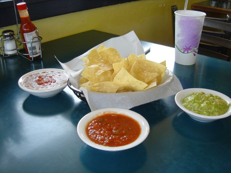 Chips & condiments