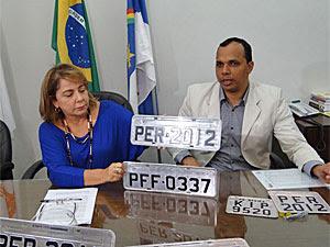 Detran-PE apresenta nova placa (Foto: Katherine Coutinho/G1)