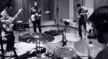 """Palavrantiga em estúdio para gravação do novo CD, """"Sobre o Mesmo Chão""""; Álbum será distribuído pela Som Livre"""