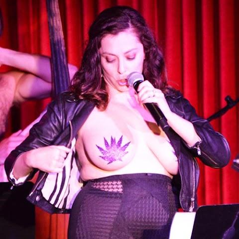 Rachel Bloom Nude Pics (@Tumblr) | Top 12 Hottest