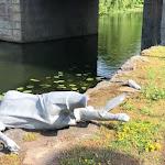 Sönderslagen – nu byggs en ny staty av Nilla Fischer