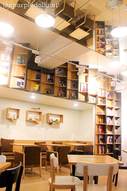 Cafe De Seoul Tablet Tables