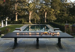 Patio Tables With Fire Pits In The Middle