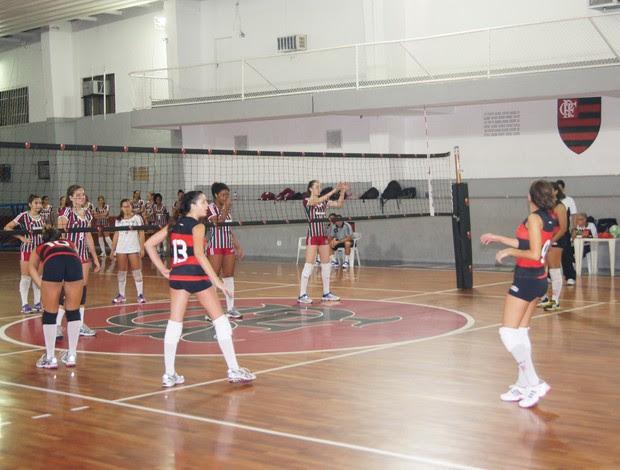 Flamengo Fluminense vôlei feminino infantil (Foto: Flávio Dilascio)