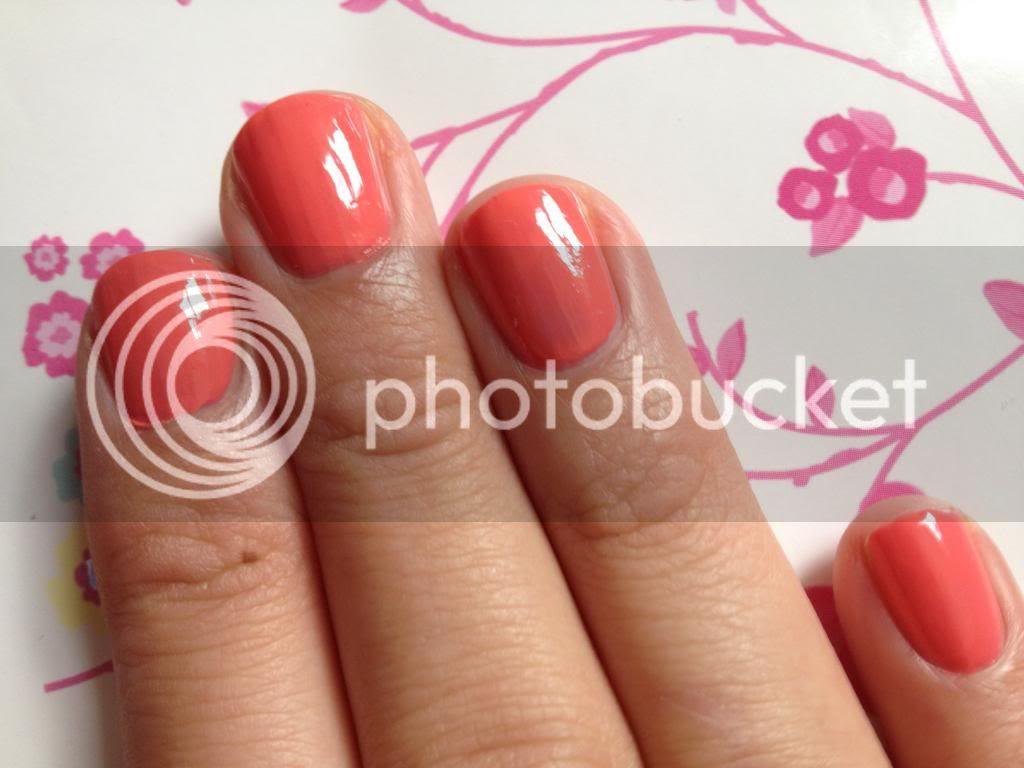 Rimmel nail polish instyle coral