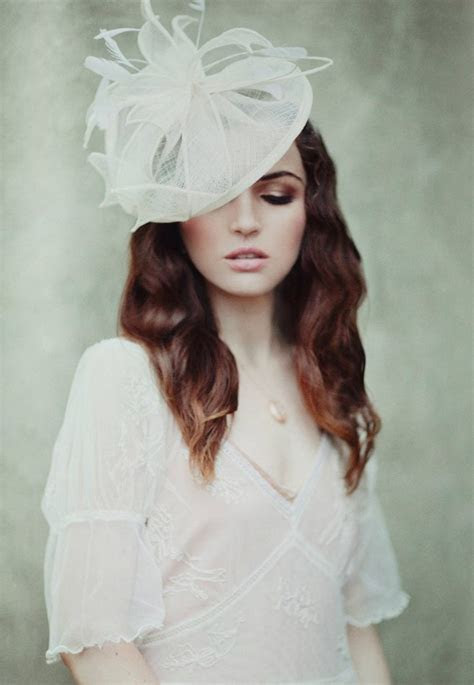 Bridal Hair Accessories: 17 Stunning Fascinators For Every