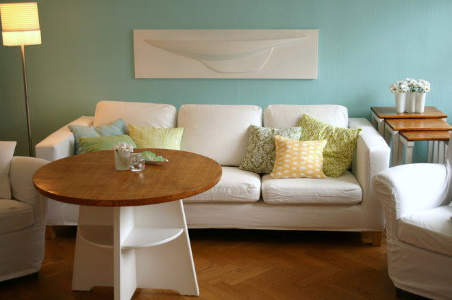Aquamarine Relaxes Rooms