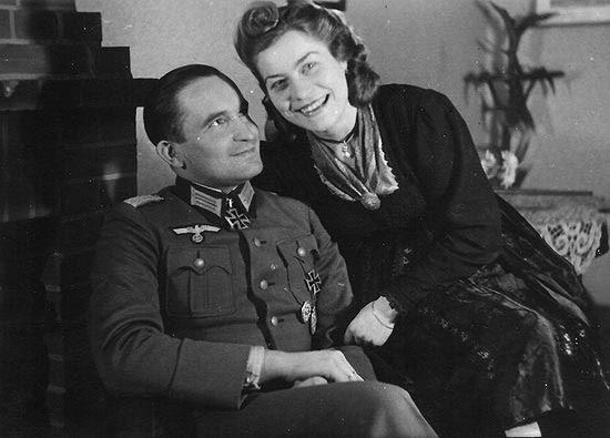 O oficial nazista Arthur Wollschlaeger, condecorado pelo próprio Hitler, escondia o passado do filho Bernd