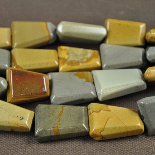 s30307 Stone Beads -  Faceted Trapezoid - Wildhorse Picture Jasper (strand) - <font color=