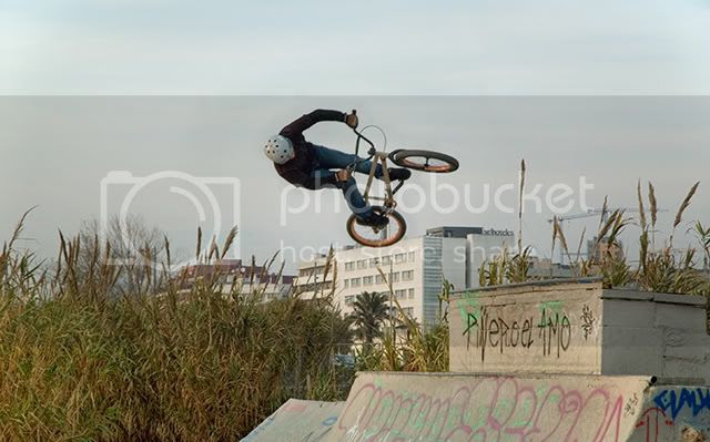 Urban Pirouette - Freestyle BMX in Barcelona