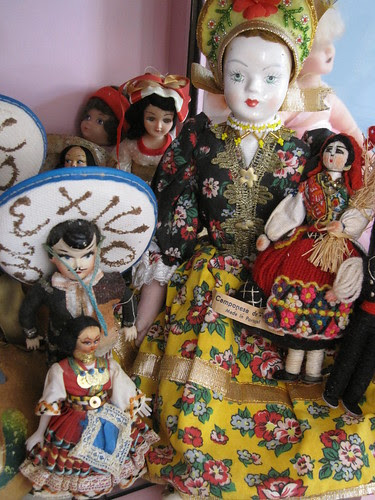 The Dolls in the Curiosity Cabinet! 5