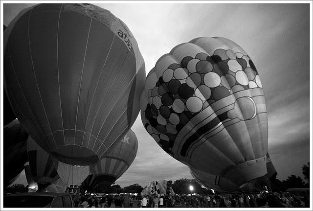 Balloon Glow 2 BW