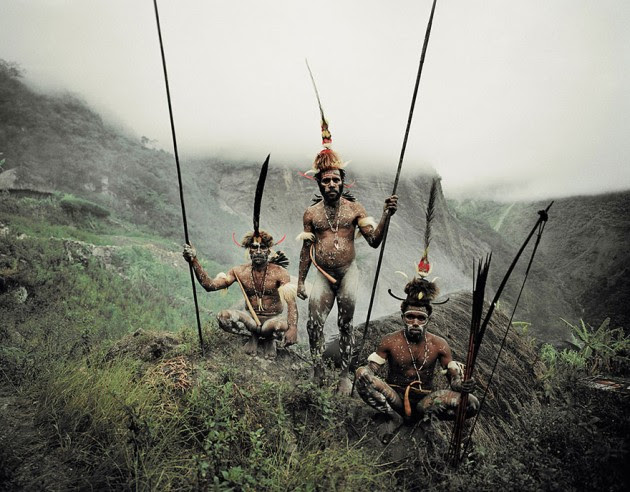 photographs-of-vanishing-tribes-before-they-pass-away-jimmy-nelson-43__880