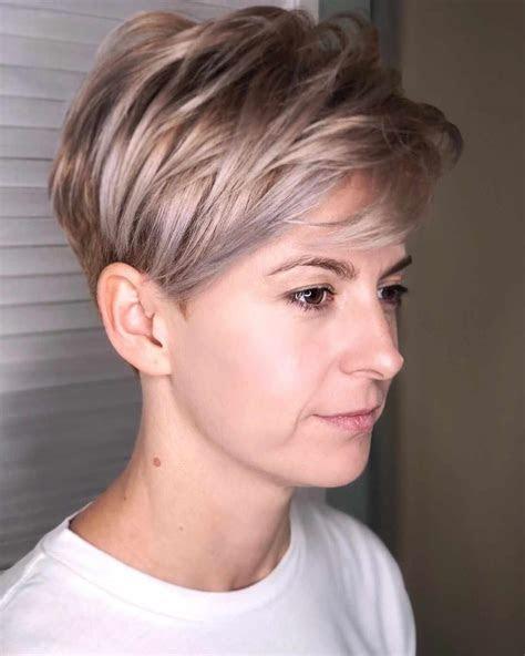 feminine pixie haircuts ideas  women   year