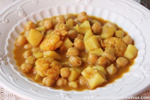 Cocinando entre olivos garbanzos con choco y langostinos for Cocinando entre olivos