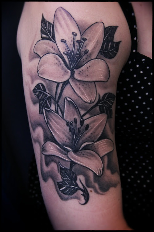 Flower Tattoo Black And Grey Flower Piece Tattoo Love