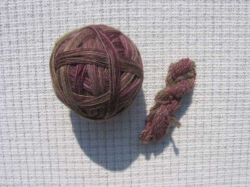 Plying ball and sample skein