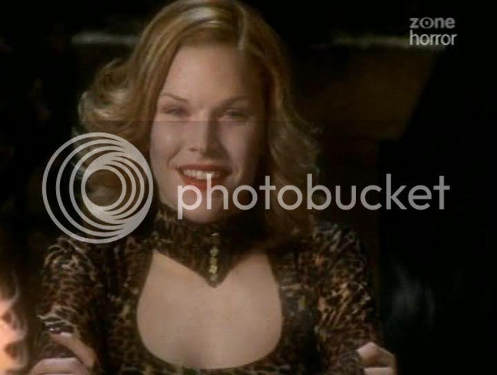 Karen Cliche as Essie