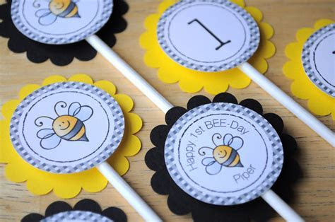 Birthday Banner   Bumble Bee Theme   Happy BEE Day   So