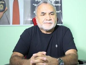 Delegado Ademar Canabrava relata assalto na casa de colunista social (Foto: Ellyo Teixeira/G1 PI)