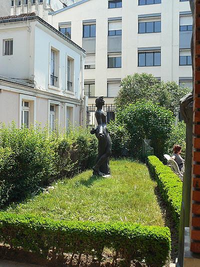 petit jardin Bourdelle.jpg