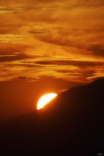 Sol 20 de Mayo by Alejandro Bonilla
