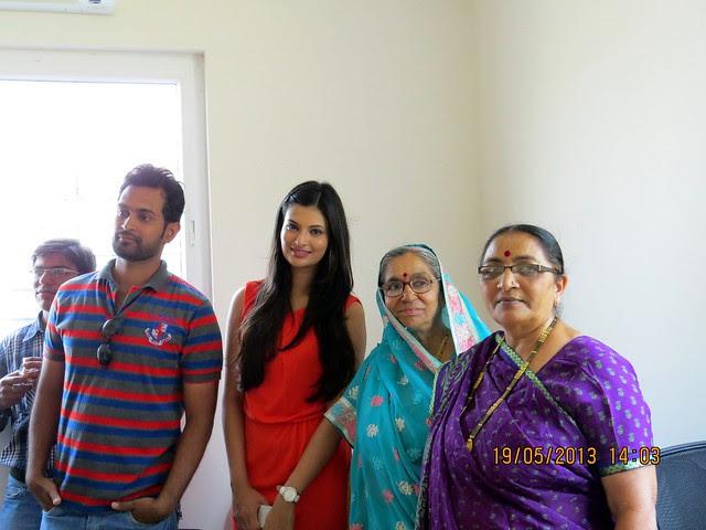 Vishal with Sayali Bhagat - Visit Atlantica East, 2 BHK & 3 BHK Flats at Keshavnagar, Mundhwa, Pune 411052