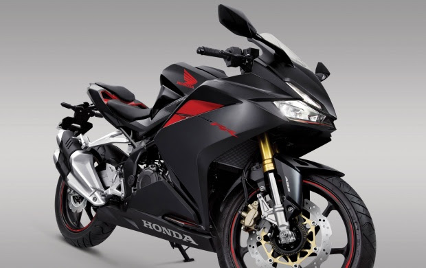 Honda CBR250RR 2017 Front Right View wallpapers