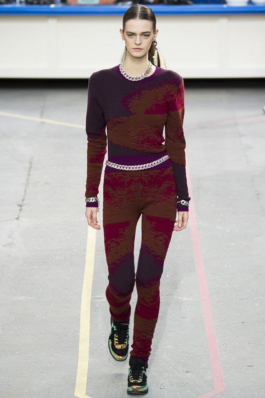 photo la-modella-mafia-Chanel-Fall-2014-runway-4_zps3b7e0188.jpg