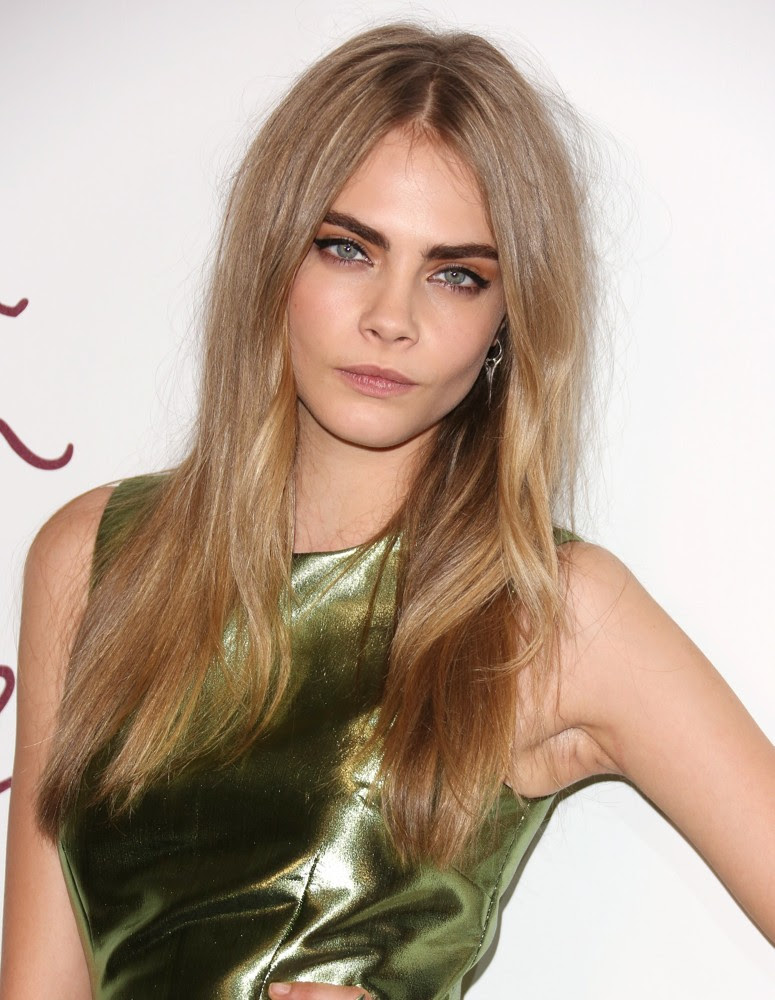 http://www.aceshowbiz.com/images/wennpic/cara-delevingne-british-fashion-awards-2012-02.jpg