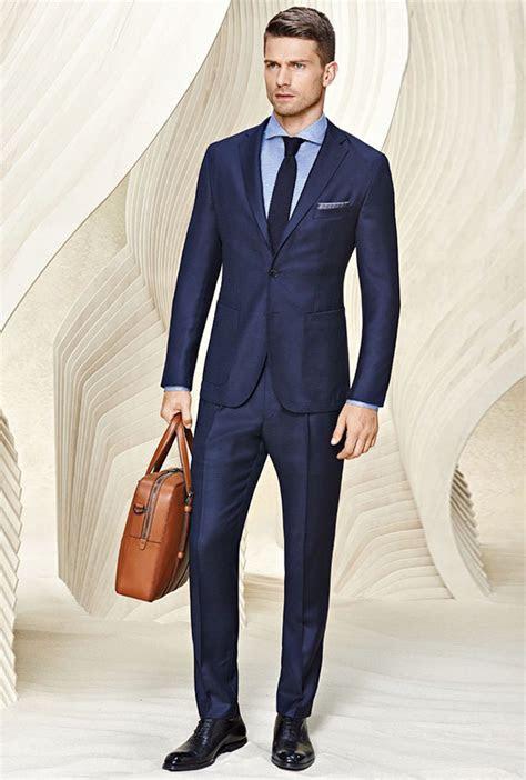 colour shoes  wear   suit  definitive