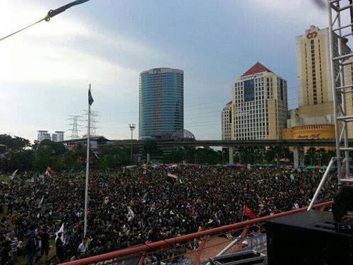 8835745728 9df7f0947f o Gambar dan Video Perhimpunan Blackout 505 di Petaling Jaya 25 Mei 2013