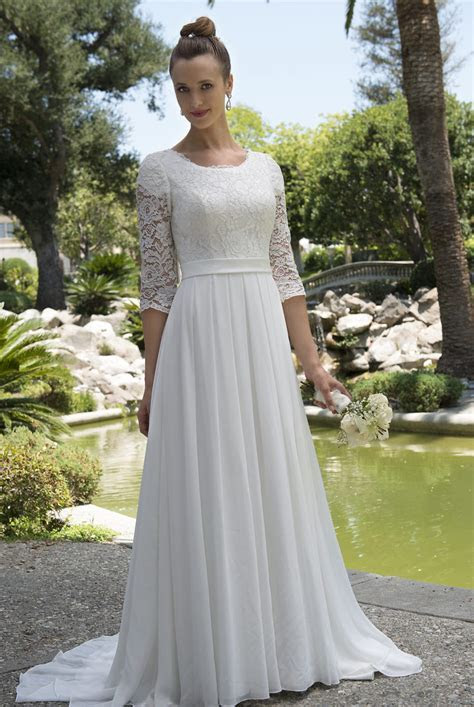 50 Decent Wedding Dresses for Older Brides Over 60   Plus