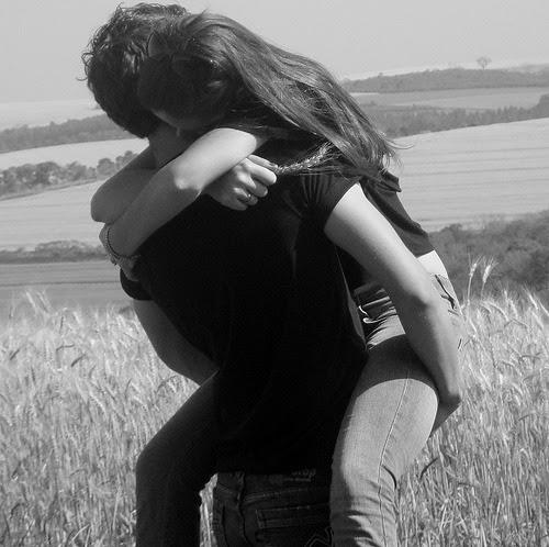 """""""ComoConseguir o Amor de Alguém de Volta,Ou Como fazer com que os seus atuais relacionamentos felizes tornem-se mais amorosos, Curar Feridas, ou Recuperar-seDe Uma Separação"""" Este Áudio lhe Guiará Através de Uma Transformação Para Aprofundar os seus Relacionamentos Felizes, ou Curar e Atrair o Amor que Você Profundamente Deseja!!!   Do: Dr Eric Amidi Você já sonhou em atrair o amor que você verdadeiramente deseja? Você já quis ter de volta o amor e a afeição de alguém? Você já gastou preciosos minutos da sua vida pensando nas suas separações e mágoas? E às vezes este processo durava tanto tempo que você começava a se culpar pelo que aconteceu? Tudo isto tem a ver com as suas emoções mais profundas… E é por isso que é tão difícil controlá-las conscientemente…porque elas estão enraizadas na sua mente subconsciente… E a solução para isto está em fazer mudanças na sua mente… Ao fazer isto, um profundo senso de alívio e amor se seguem naturalmente… Mas, uma vez que agora você é uma das pessoas que se deram conta do poder da mente, você já sabe que, antes de mais nada, você precisa se livrar de antigos padrões e começar a impressionar a sua mente com emoções que atraem o amor que você deseja BAIXAR http://adf.ly/oKx69"""