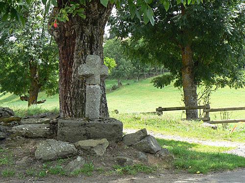 croix de granit.jpg