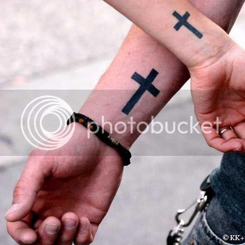 christian-cross-tattoos.jpg