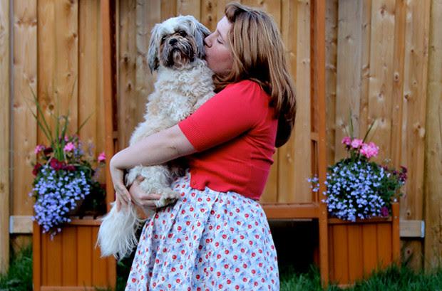 blog wanderlust whimsy megan red blue white dress sew DIY retro fabricland