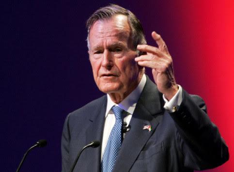 Στην εντατική ο Τζορτζ Μπους ο Πρεσβύτερος - Στο νοσοκομείο και η γυναίκα του