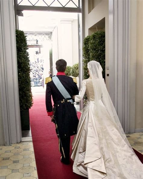 Danish Royal Wedding 2004: Frederick & Mary leave