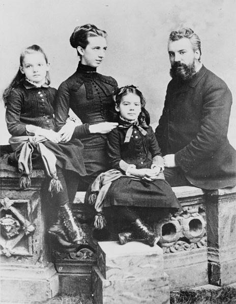 File:Alexander Graham Bell and family.jpg