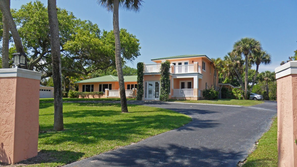 Wide Waterfront Estate in Fort Pierce Back on the Market — Stuart Florida Real Estate