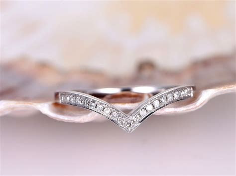1000  ideas about Curved Wedding Band on Pinterest