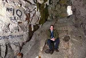 Gua merupakan terowongan yang terbentuk secara alami 5 Fungsi Gua yang Unik dan Aneh di Dunia