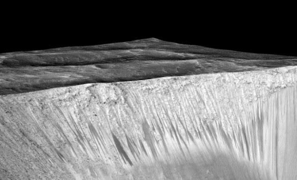 Συγκλονιστικά στοιχεία για τον πλανήτη Άρη - Ο γιγάντιος κρατήρας Ελλάς που θα μπορούσε να `καταπιεί` το Έβερεστ